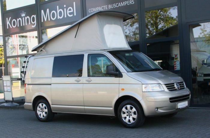 Volkswagen T5 Buscamper met Groot Hefdak, 131pk 2.5TDI – 2005 – NIEUW BINNEN